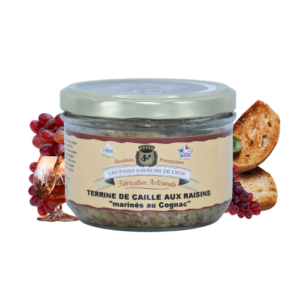 Montrer le produit de notre épicérie salée : la terrine de caille aux raisins marinés au Cognac, produite par les fines saveurs de Lyon